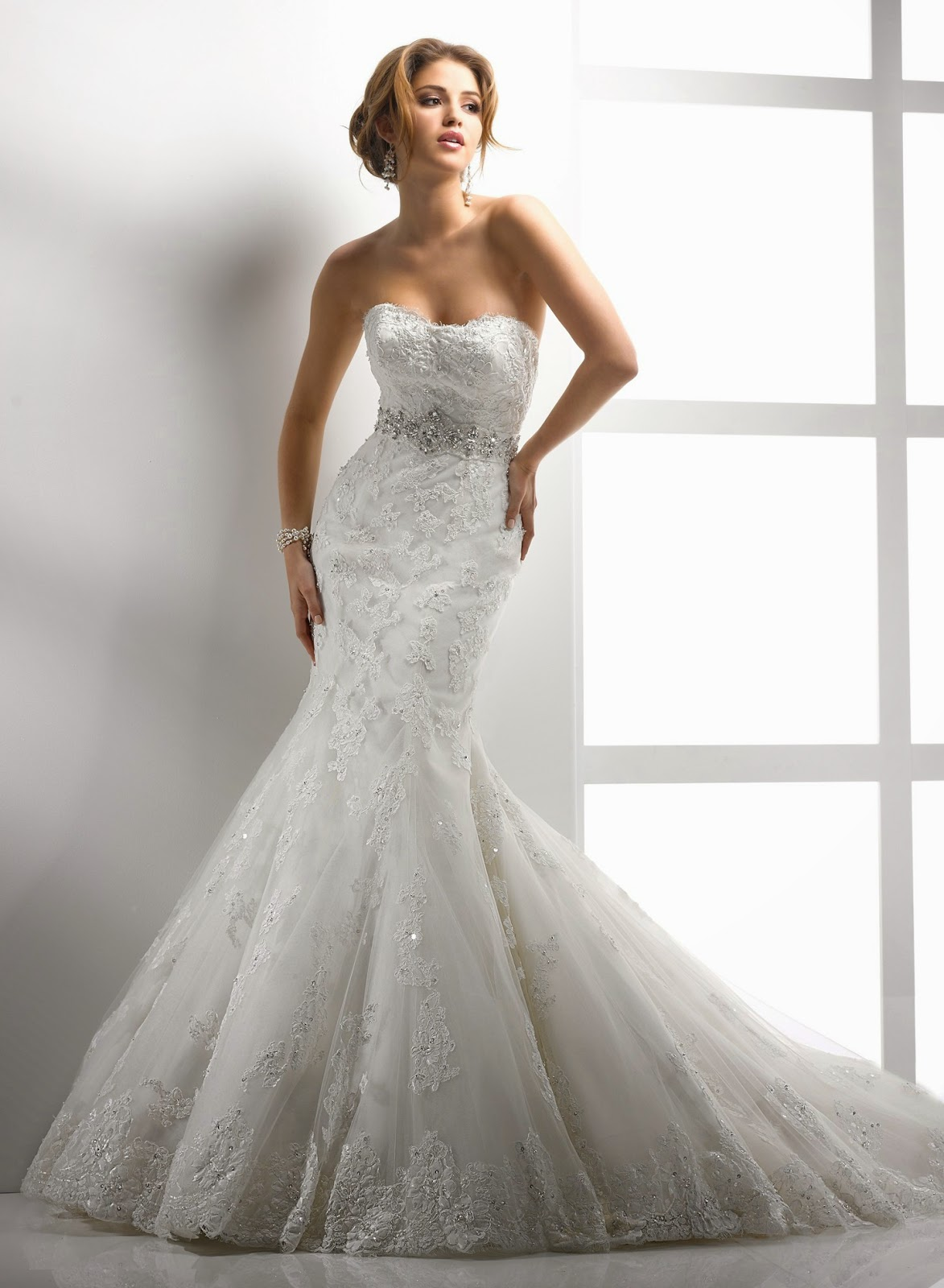 A Trumpet Style Wedding Dresses While Similar To Mermaid Gowns Is More Understated Silhouette As The Flare Of Skirt