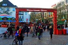 hamburg und norddeutschland weihnachtsmarkt hamburg altona bahnhof 2016. Black Bedroom Furniture Sets. Home Design Ideas