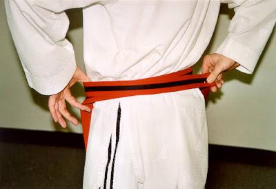 Cara Mengikat Sabuk Taekwondo 2