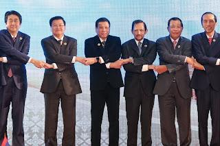Políticos orientales en cadena de unión