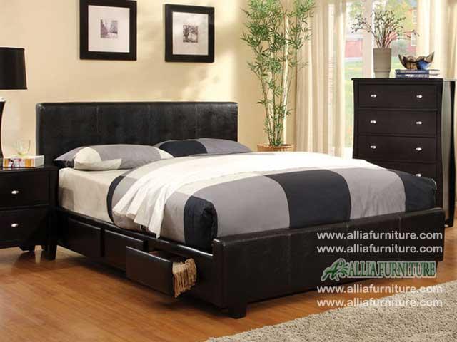 tempat tidur lapis kulit laci granada