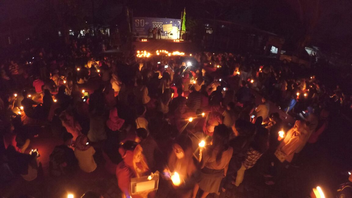 Gerakan 1000 Lilin Komunitas Earth Hour Serang