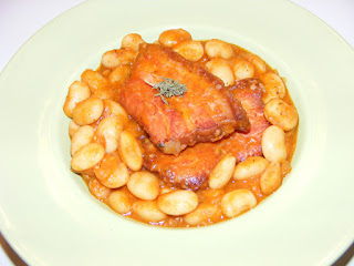 retete mancare de fasole scazuta cu afumatura, iahnie de fasole cu costita afumata, retete de mancare, mancaruri cu carne, retete culinare, gastronomie, bucataria romaneasca,