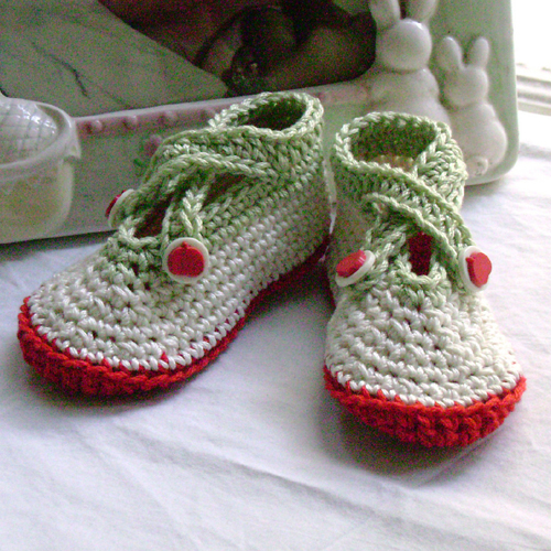 Criss Cross Baby Shoes - Free Pattern