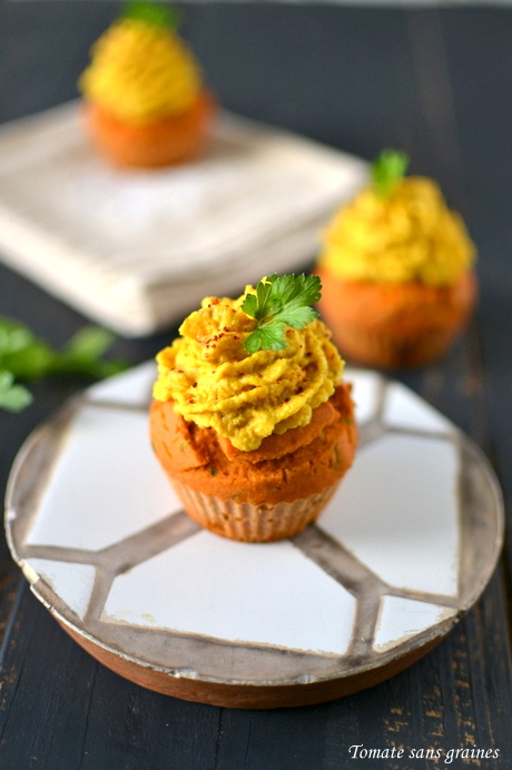 Cupcakes à la tomate et au persil, chantilly de poivron jaune