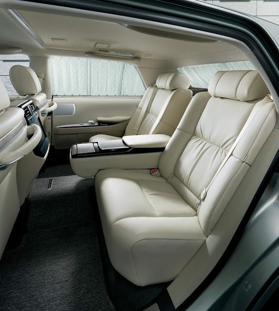 Toyota Century 2019 - interior