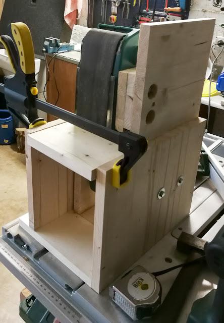 struttura per levigatrice a nastro smerigliatrice verticale in legno fai da te home made