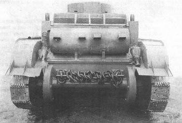 Легкий колесно-гусеничный танк БТ-6 - вид с кормы