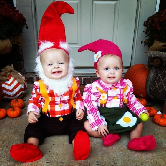 50 Best Scary Halloween 2017 Costumes For Twins Baby  sc 1 st  Meningrey & Boy Girl Twin Halloween Costume Ideas - Meningrey