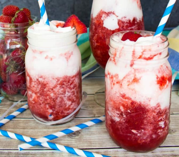 Strawberries & Cream Daiquiris #fresh #drink