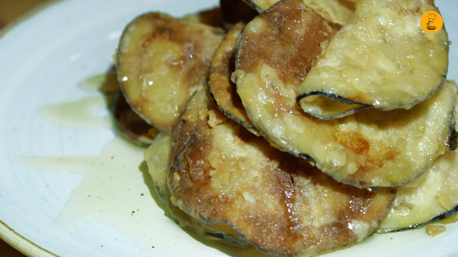 Chips de berenjenas crujientes a la miel (3€) Rosi la Loca Madrid