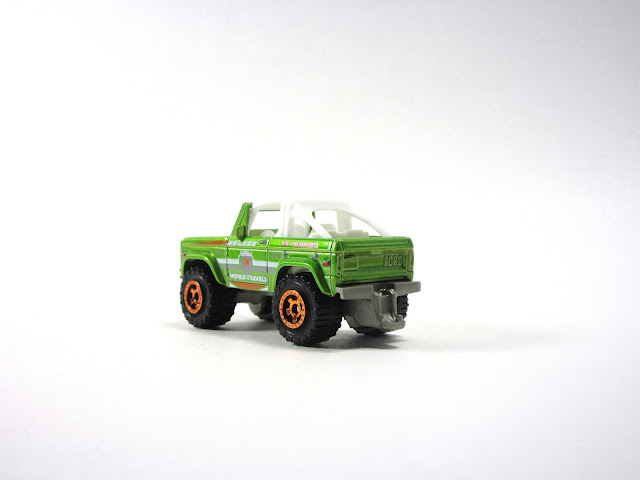 Diecast Review: Head-to-Head: Matchbox and Hot Wheels Ford Broncos