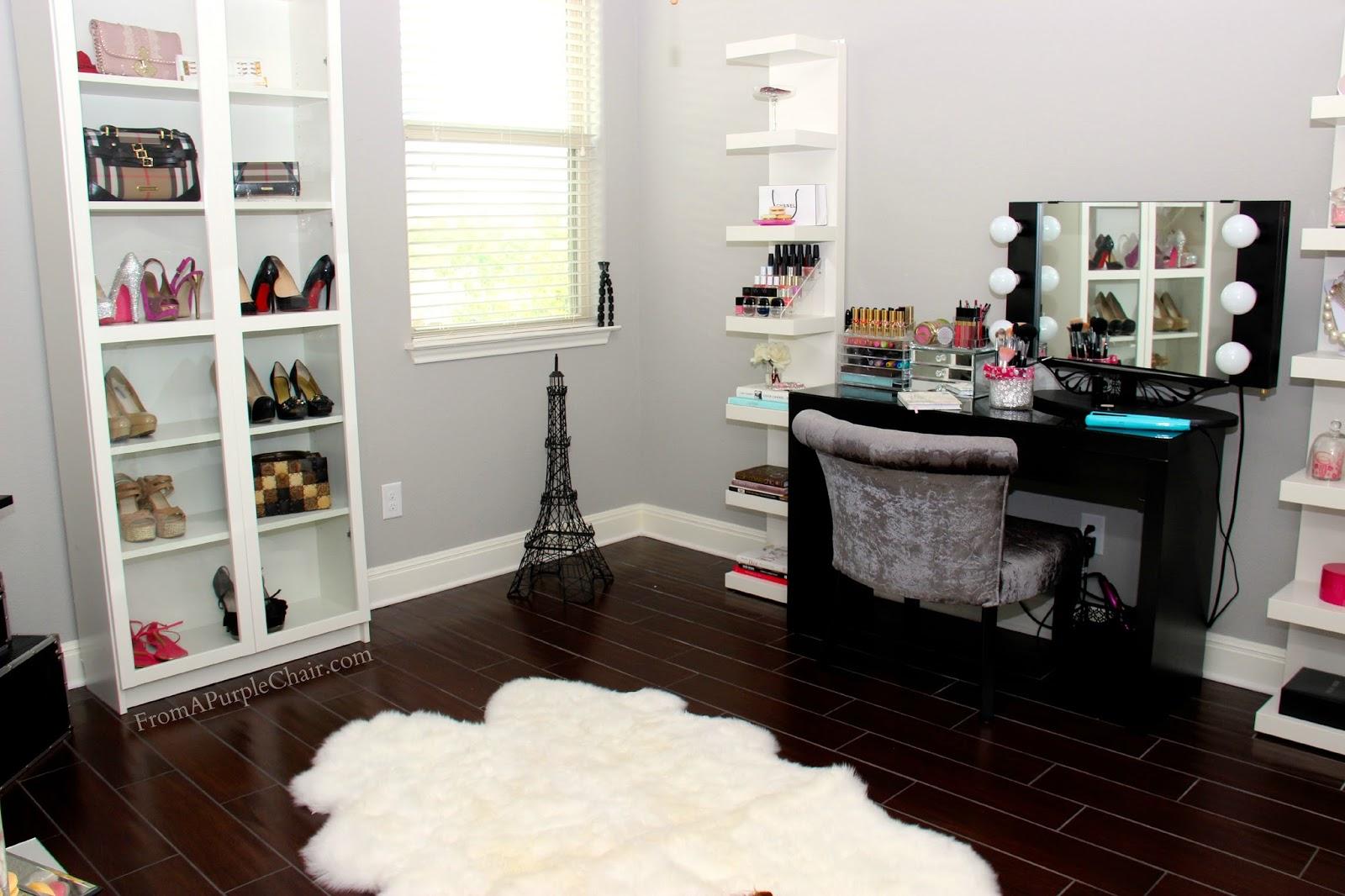 Miss Liz Heart: Makeup Room/Beauty Room Set Up (Before)