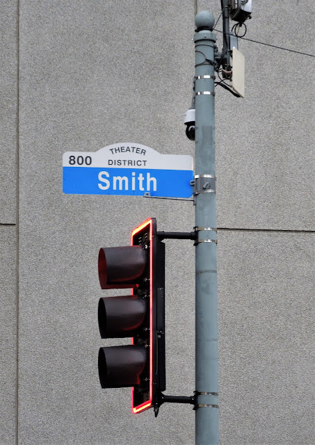 THEATER DISTRICT SIGNAGE - 800 SMITH STREET