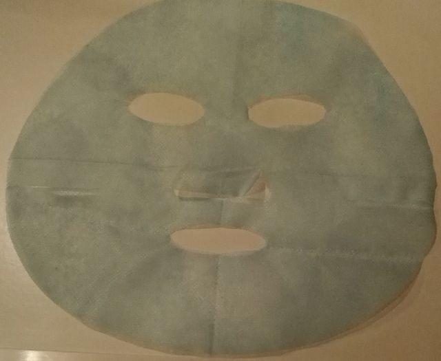 Die Maske für die Person mit dem Ei und dem Honig und dem Mehl
