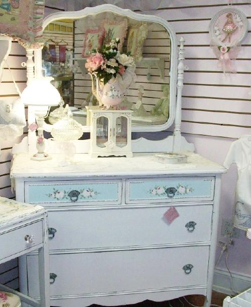 Vaisselier Shabby Chic: VICTORIANAGE: SHABBY CHIC ON FRIDAY