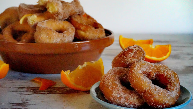 Roscos de naranja fritos