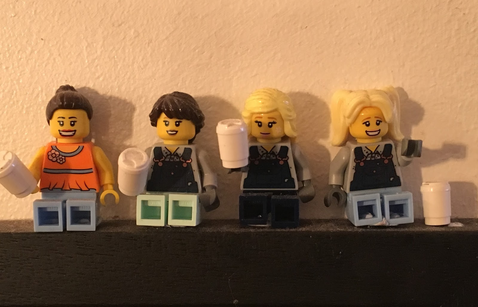 Lego friends drinking coffee