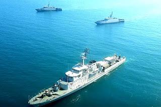 Tiga Kapal Perang TNI AL Latihan Manuver Taktis