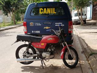 Guarda Municipal de Jundiaí apreende moto pinada pelo jardim Tamoio
