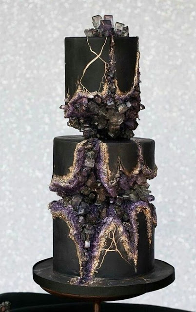 K'Mich Weddings - wedding planning - wedding geode black cake - Avalon Cakes