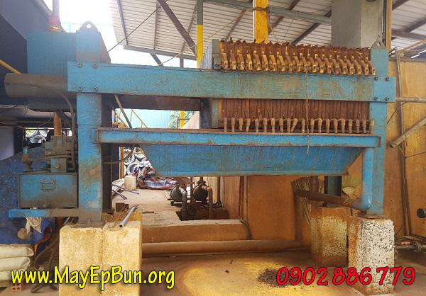 Tình trạng máy ép bùn khung bản của Formosa trước khi sửa chữa và trùng tu