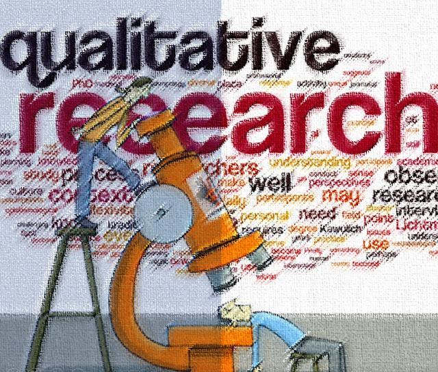 Pengertian Kualitatif, Ciri, Tujuan & Jenis Metode Penelitian Kualitatif - Secara umum, pengertian kualitatif adalah penelitian tentang riset yang bersifat deskriptif dan cenderung menggunakan analisis.  Penelitian kualitatif tidak menggunakan statistik, akan tetapi melalui pengumpualan data secara analisis, kemudian dengan menginterpretasikannya.  Umumnya berhubungan dengan masalah sosial dan manusia yang sifatnya interdisipliner, naturalistik dan interpretatif, fokus pada multimethod.  Awal perkembangannya, penelitian (riset) kualitatif mendapat pertentangan dari riset kuantitatif yang menguasai kegiatan penelitian di seluruh bidang ilmu. Bahkan, penelitian kualitatif dipandang sebagai penelitian yang tidak ilmiah.  Debat dan saling menyerang penelitian kualitatif dengan penelitian kuantitatif saling mencari pengaruh kedudukan dan kekuatan.  Hal itu membuat arti penelitian kualitatif dipandang sebagai pendekatan alternatif metodologi dalam penelitian.  Namun saat ini, baik penelitian kuantitatif dan kualitatif kedudukannya dipandang sama yang bahkan saling membantu memperkuat hasil dan manfaat dari penelitian.  Disatu sisi bermanfaat sebab mengakhiri perdebatan keunggulan penelitian kualitatif atau kuantitatif.  Tapi disisi lain, perdebatan itu memiliki tujuan yang baik yang bermanfaat dalam meningkatkan kemantapan dalam metode penelitian kualitatif itu sendiri.  Walaupun demikian, kini riset atau penelitian menggunakan metode kualitatif dimanfaatkan dalam berbagai jenis bidang ilmu diantaranya dalam penelitian kebijakan, manajemen dan organisasi, administrasi, psikologi dan perencanaan kota dan regional.  Menurut Yin (1987) bahwa Strategi penelitian menggunakan pendekatan metode kualitatif banyak dimanfaat dalam bentuk studi kasus untuk penyusunan tesis dan disertai dalam ilmu-ilmu sosial. Menurut Bogdan & Biklen (1982) yang menjelaskan bahwa kemajuan dari pendekatan metode penelitian kualitatif yang semula hanya berdasarkan pada pola pengukuran kuantitaf, defini