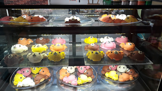 Super cute Bear breads in cream cheese, strawberry, custard, chocolate and red bean.