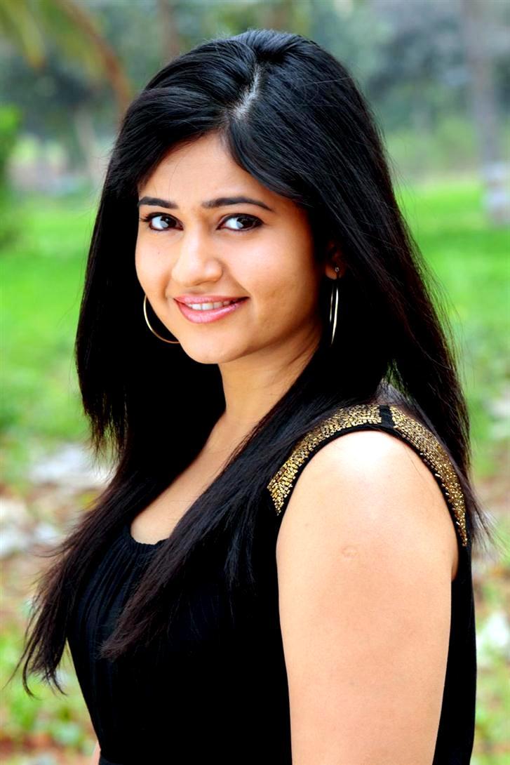 Actress Poonam Bajwa Latest 2013 Spicy Black Dress Images -9018