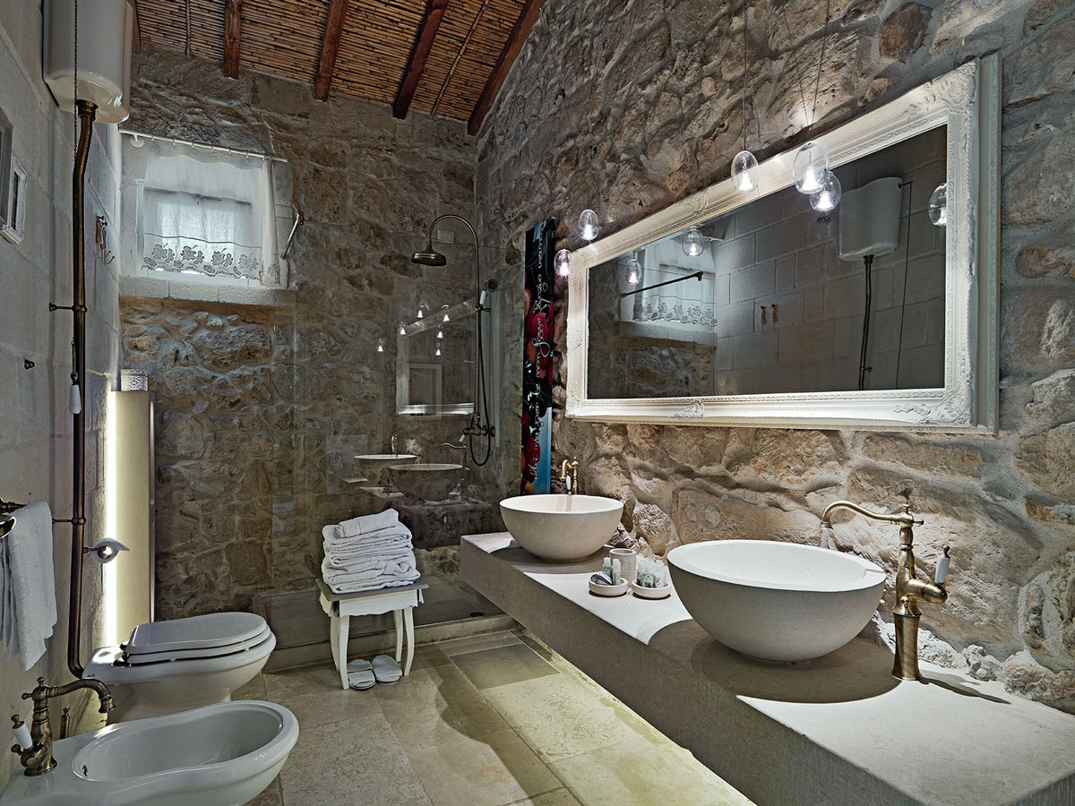 Awesome bathrooms and awesome showers most beautiful Most beautiful small bathrooms
