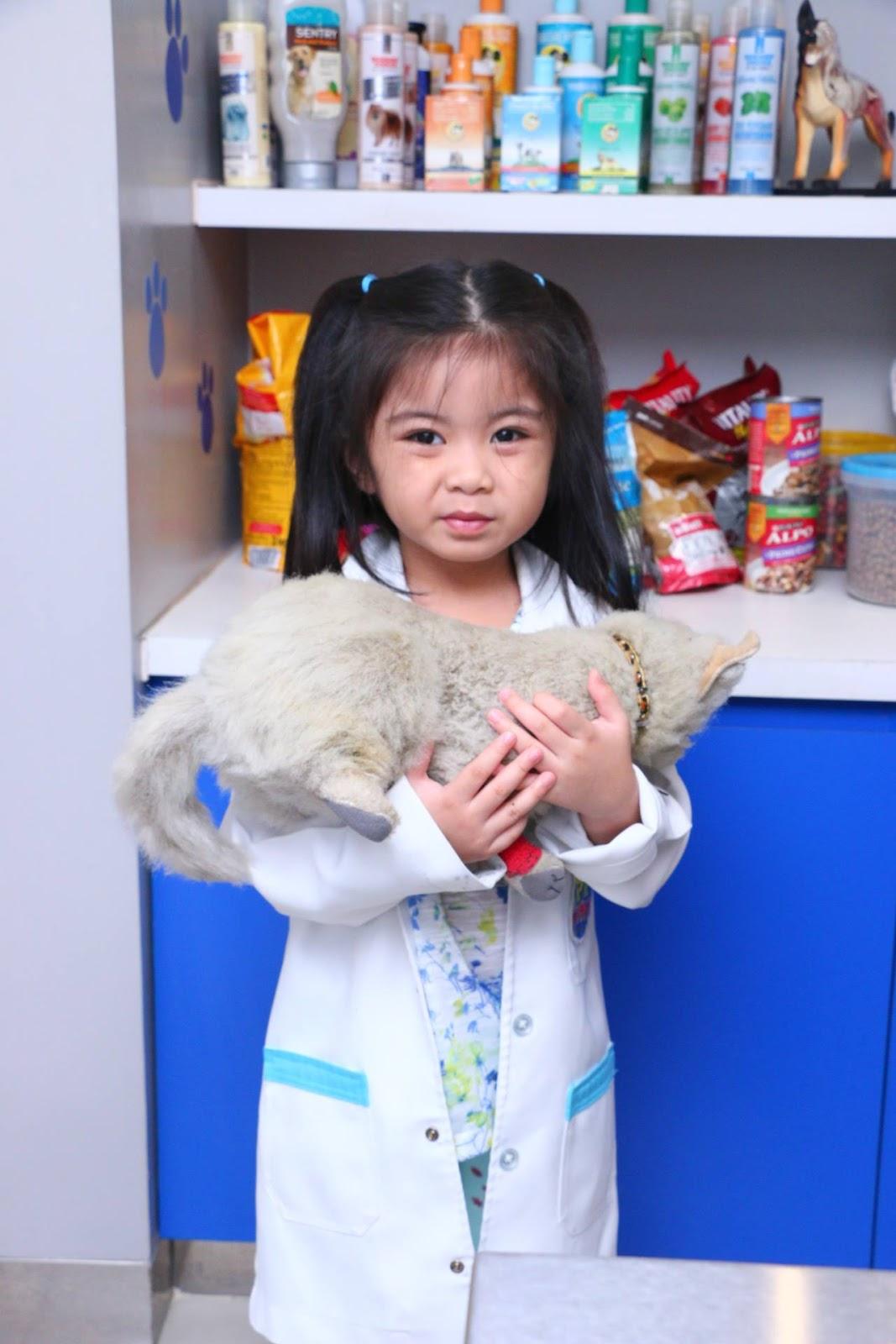 Chloe in Pet Express in KidZania Manila