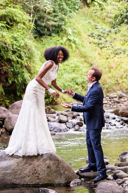 guadeloupe les mariés posent à la rivière Corossol