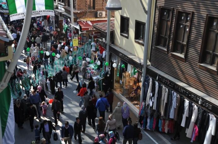 سياحة وسفر في تركيا | بازار توز بازاري تشارشسي في مدينة التاريخ والسياحية بورصة