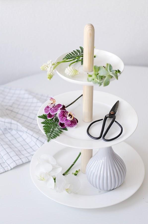 diy expositor de tartas con flores