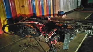 Selain Mobil, Sepeda Motor Pun di Lalap Api