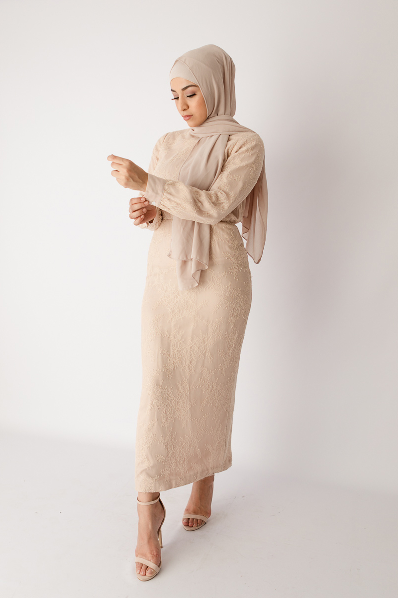 Jual beli online baju lebaran lace dress cream
