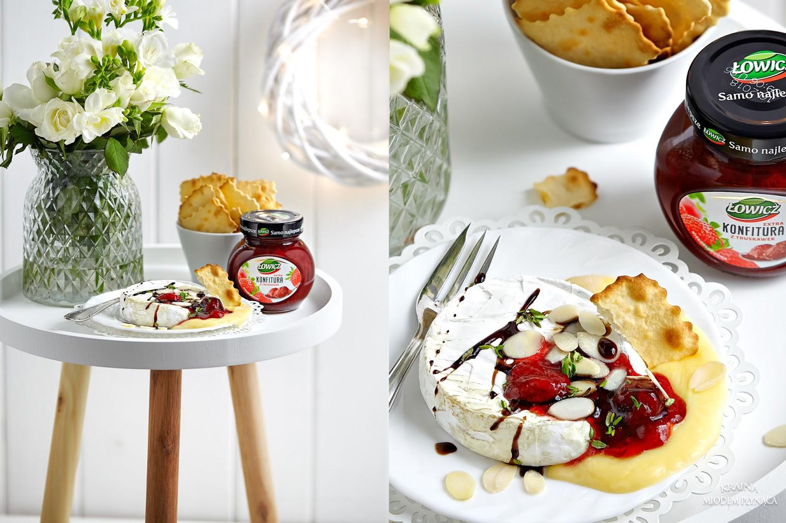 pieczony camembert, camembert z piekarnika, danie na imprezę, danie imprezowe, camembert z dżemem, konfitura łowicz, kraina miodem płynąca, fotografia kulinarna