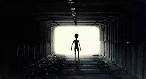 Βρετανός πρώην κυβερνητικός: Η κυβέρνηση κρύβει την αλήθεια για τους εξωγήινους