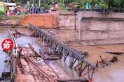 Jembatan Ambruk Appabatu Jadi Tontonan Warga Selayar