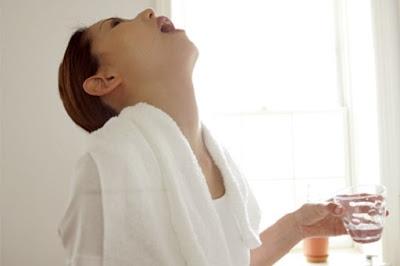 Mẹo chữa viêm họng bằng súc miệng bằng nước muối