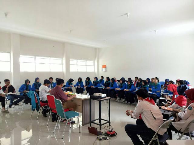 Adakan Ujian Makalah, UKM KSR PMI Unit-127 Bentuk Sifat Kepemimpinan Peserta