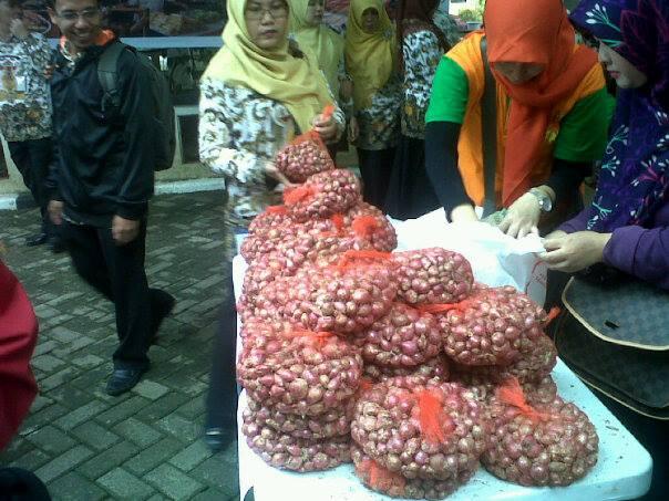 PNS Serbu Pasar Tani dan Bazar Ikan