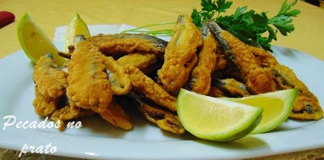 Peixe espadilha frito com sumo de limão