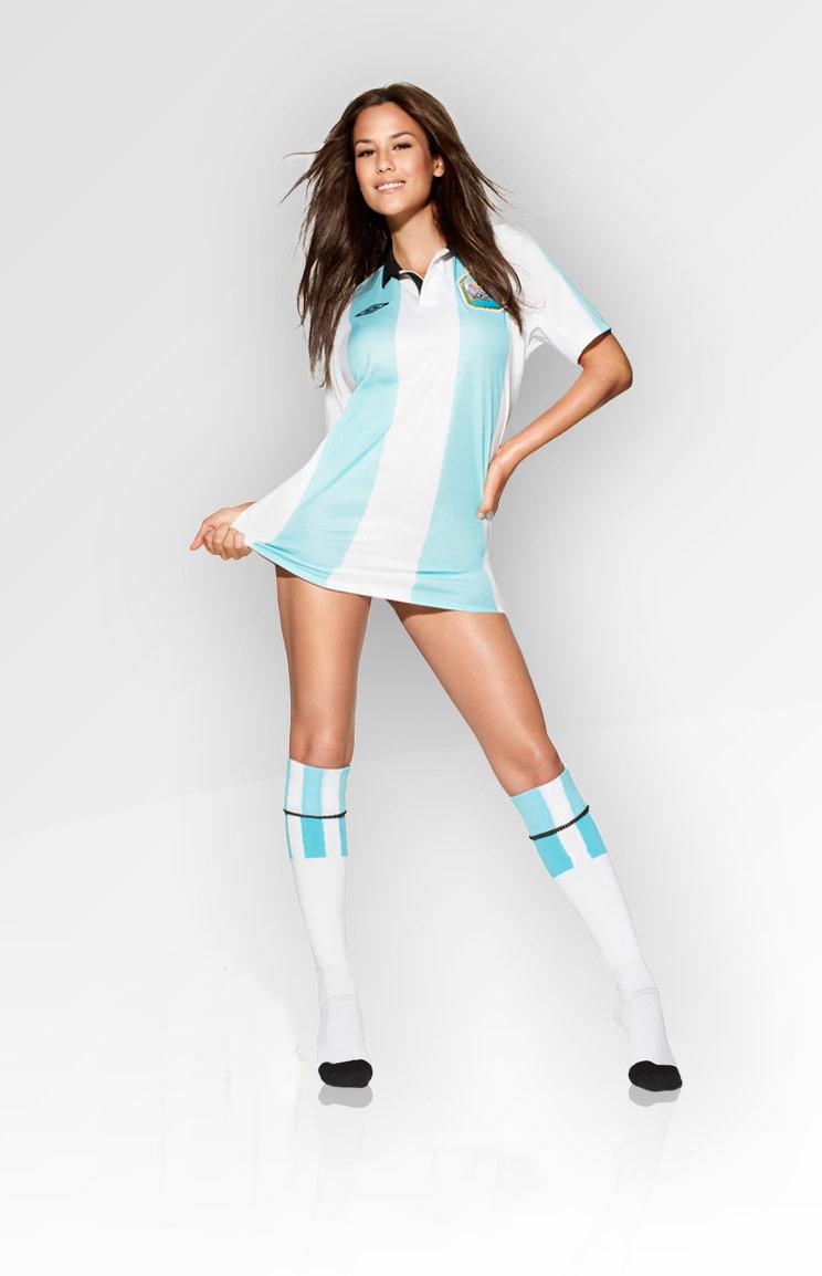 atlet Cantik Merek Nike Adidas Mizuno Reebok Puma di asia kelihatan paha