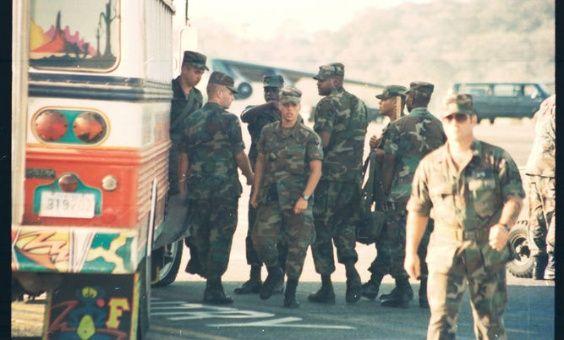 """Activistas panameños condenan """"invasión silenciosa"""" de EE.UU."""