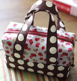 http://translate.googleusercontent.com/translate_c?depth=1&hl=es&rurl=translate.google.es&sl=auto&tl=es&u=http://world-hmade.ru/masterclass/sewing_little_bag.php&usg=ALkJrhg6rzoyJMKSsW26dvzeURaa8a7wMQ
