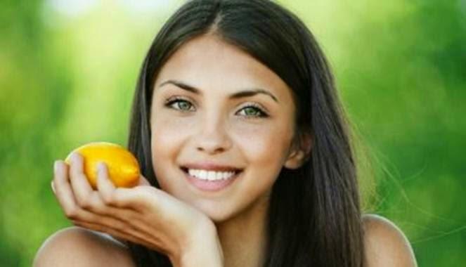 wanita diet lemon