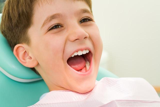 Tại sao trẻ nhỏ lại hay bị sâu răng?