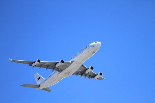 コロンビアのビザ申請では、飛行機の往復チケット必須