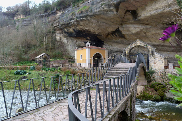 Santuario de La Virgen de La Cueva - Piloña - Asturias